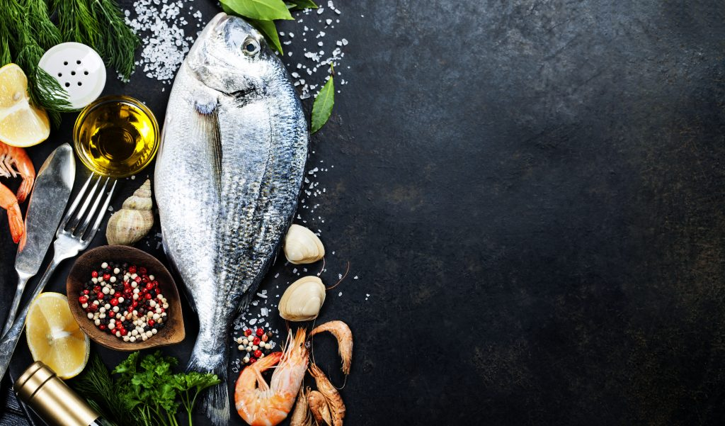 picture of fish and other seafood on platter